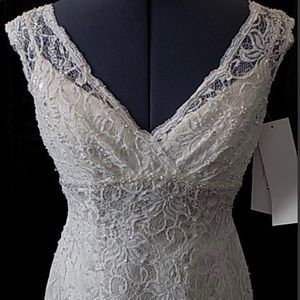 David's Bridal lace wedding dress
